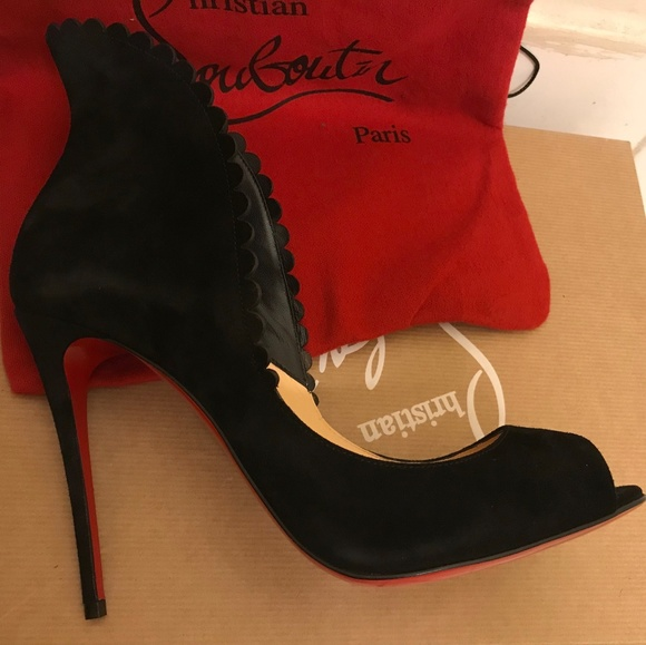 47721bdafd8 Pijonina Scalloped 100mm Red Bottoms. NWT. Christian Louboutin
